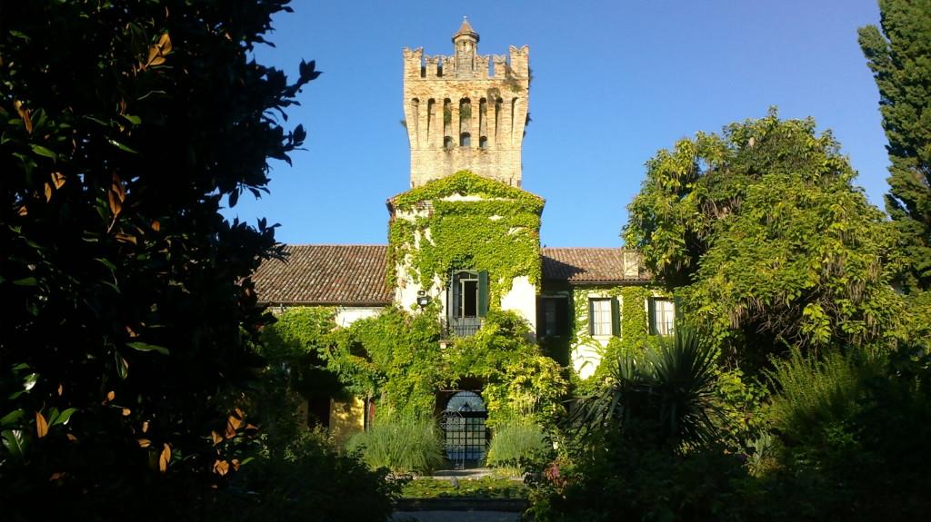 Stanze abitate da Gabriele D'Annunzio c/o Castello di San Pelagio Museo dell'aria - Due Carrare (PD)